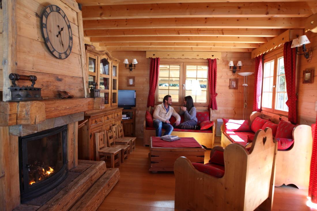Interieur de chalet en bois chalets claudet maison bois hautesavoie jura doubs ossature bois - Chalet en bois interieur ...